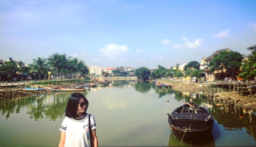 Check in trên dòng sông Hoài thơ mộng