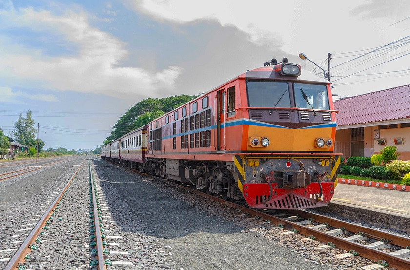 Di chuyển bằng tàu lửa tới Chiang Mai
