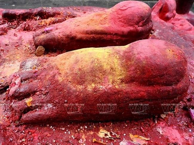 Bàn chân Đức Phật Liên Hoa