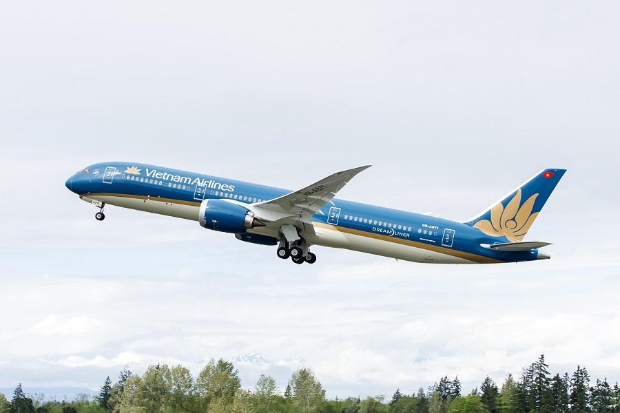 Máy bay là phương tiện đến Đà Nẵng nhanh và tiện lợi nhất hiện nay