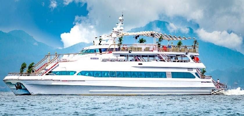 Tàu thủy sẽ là phương tiện di chuyển đến các đảo nhỏ khi du lịch Phuket