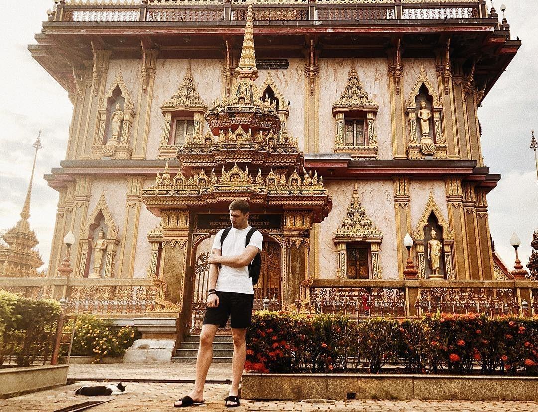 Check in tại chùa Wat Chalong