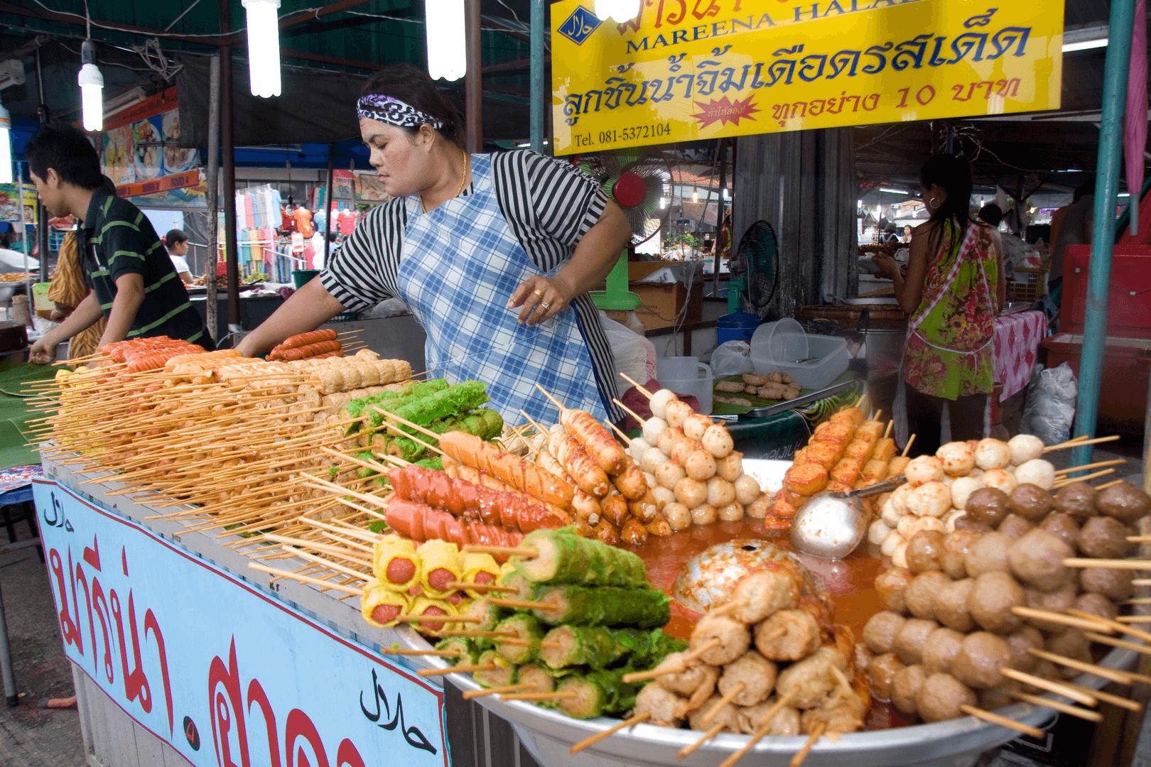 Các món ăn vặt đa dạng và hấp dẫn ở Phuket