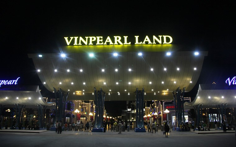 Buổi tối Vinpearl Land