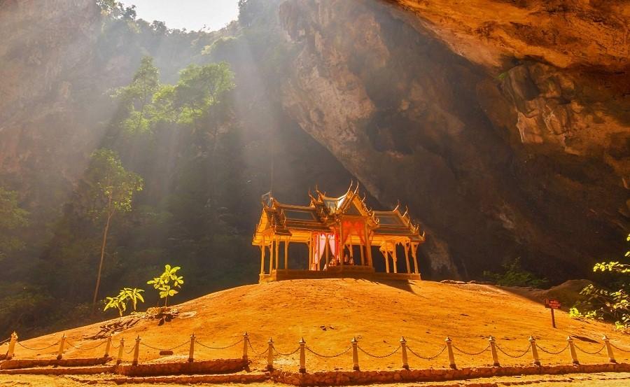 Đền Phraya Nakhon Hua Hin