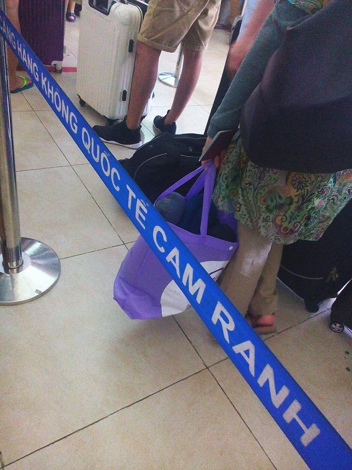 Sân bay Cam Ranh cách thành phố Nha Trang khoảng 35km