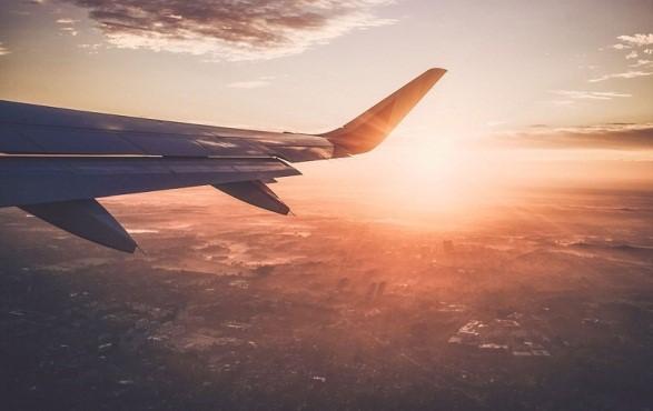 Chú ý đặt vé máy bay sớm trước khi đi khoảng 2-3 tháng để mua được vé giá rẻ