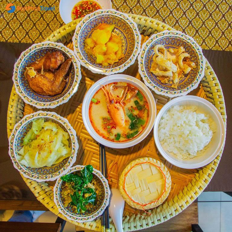 Bữa ăn Khantoke