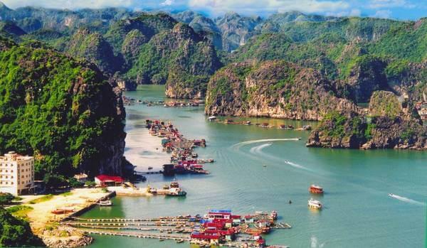 Một góc vịnh Lan Hạ