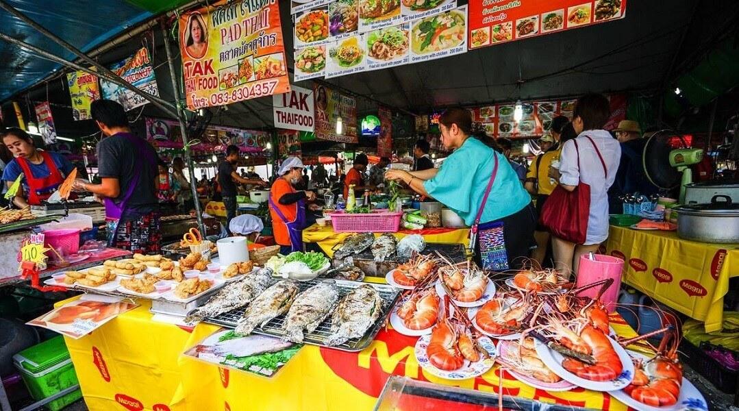 Thưởng thức ẩm thực Thái Lan ngay chợ Chatuchak