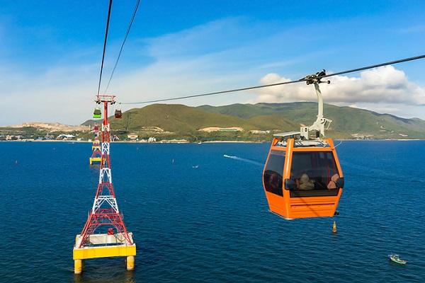 Hệ thống cáp treo vượt biển tại đảo Hòn Tre