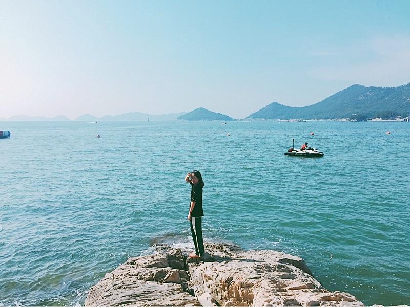 Nước biển Heundae mùa thu xanh ngát