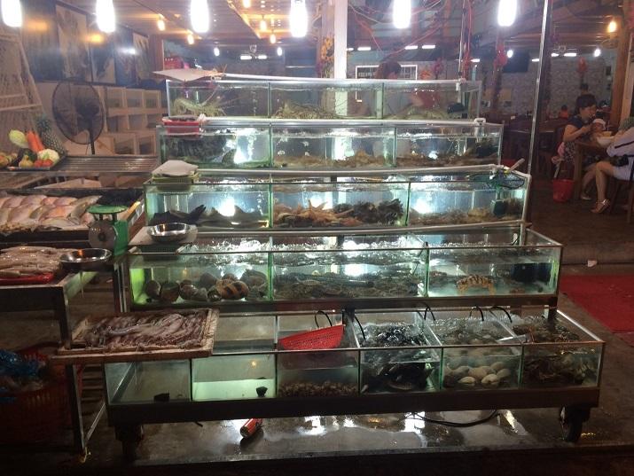Hải sản tươi ngon tại chợ đêm Phú Quốc