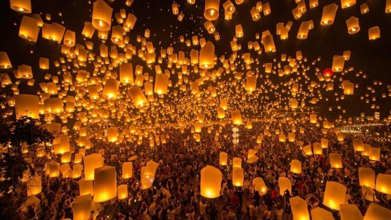 Khu vực Yee Bành Doi Saket diễn ra lễ hội thả đèn trời Yi Peng