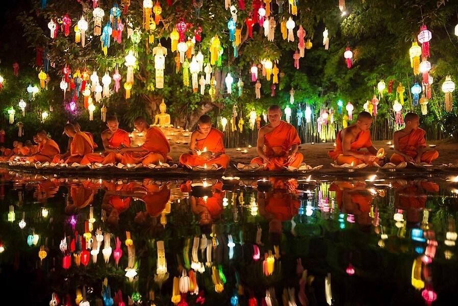 Lễ hội đèn trời Yi Peng thường diễn ra vào giữa tháng 11