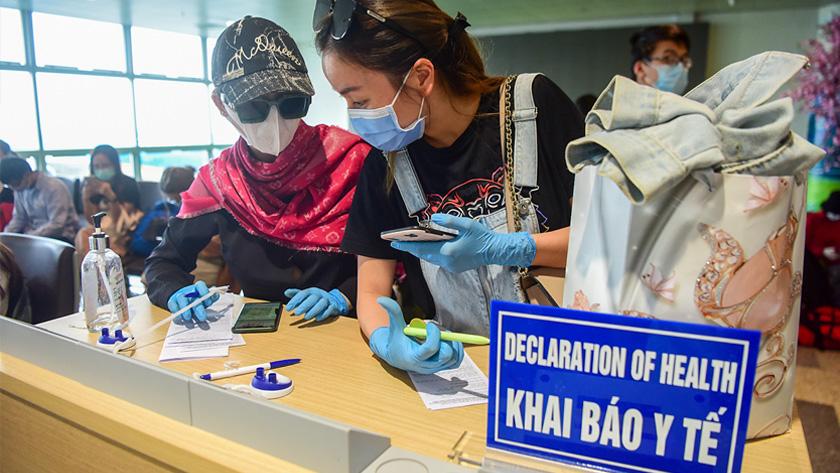 Khai báo y tế khi đi máy bay