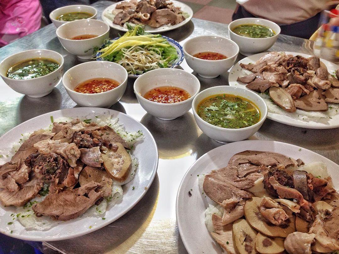 Bánh hỏi cháo lòng Diên Hồng - Một trong các quán ăn ngon ở Quy Nhơn