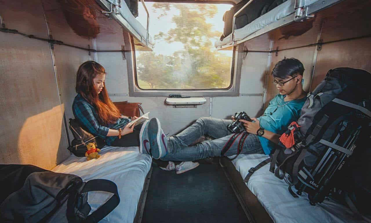 Tàu hỏa - Phương tiện di chuyển giúp tiết kiệm chi phí đi Sapa 2 người