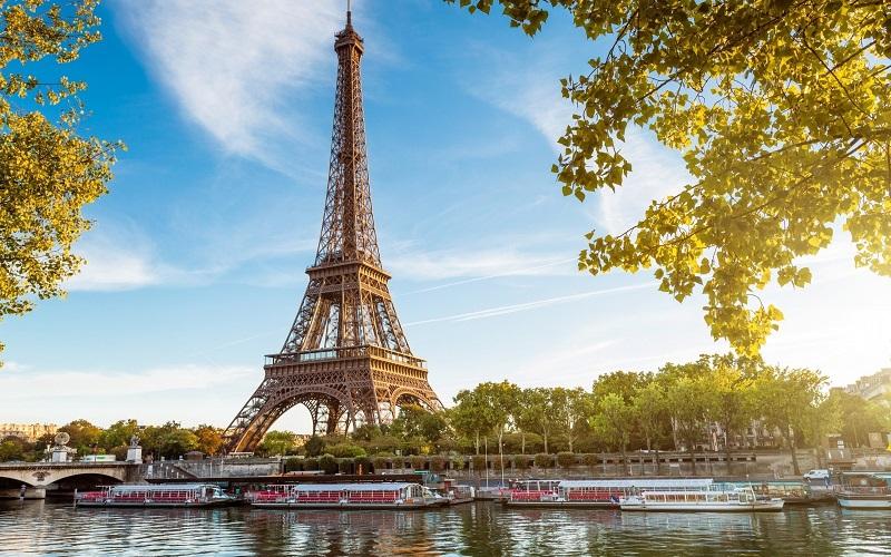Đặt vé máy bay giá rẻ Vietnam Airlines đi du lịch Pháp