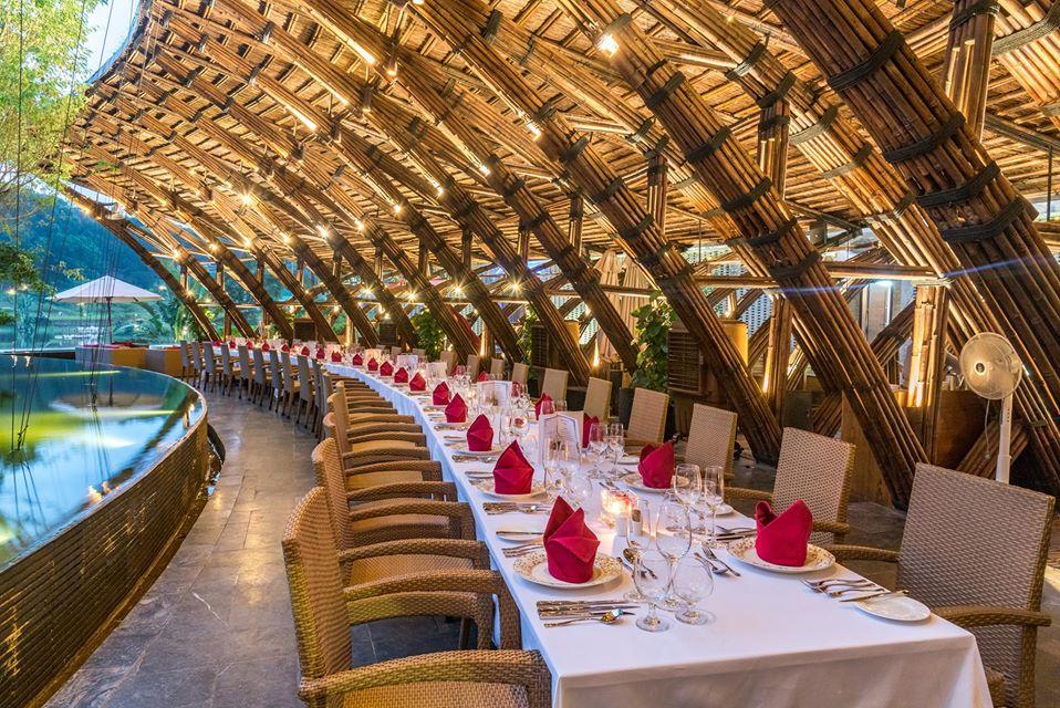 Không gian nhà hàng Bamboo Wings