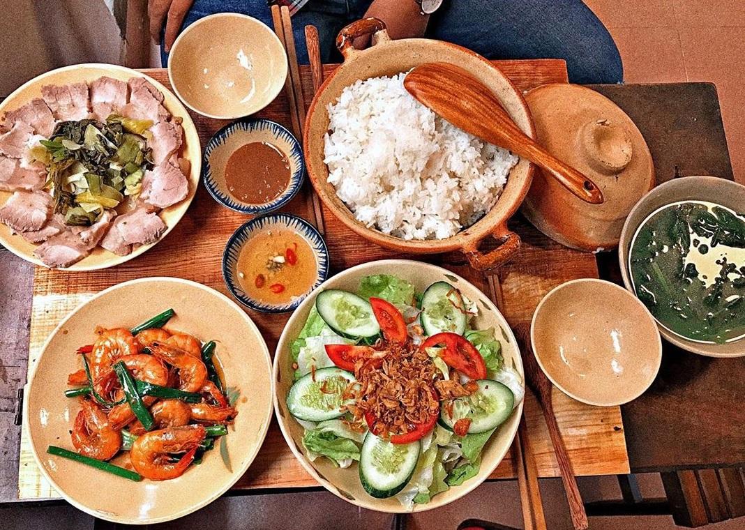Quán cơm Ngày ba bữa tại Đà Lạt