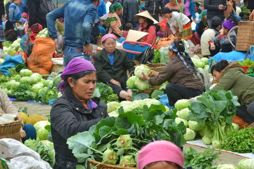 Một góc nhỏ của chợ phiên vùng Đông Tây Bắc