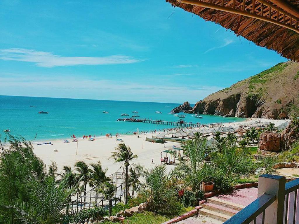Bãi biển Kỳ Co là địa điểm du lịch Quy Nhơn tháng 9 được yêu thích