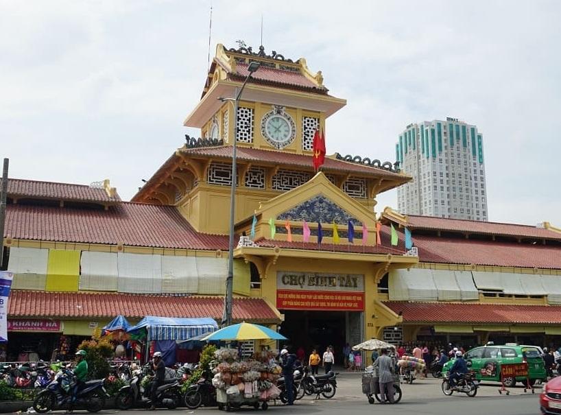 Chợ Bình Tây - một trong những khu chợ lớn ở Sài Gòn được yêu thích