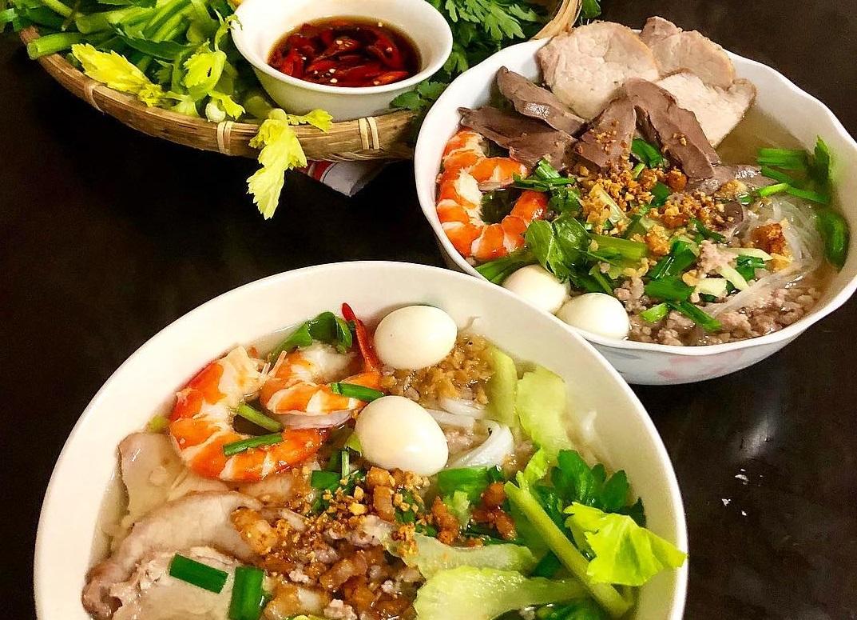 Kinh nghiệm du lịch Sài Gòn 3 ngày 2 đêm thưởng thức món hủ tiếu Nam Vang