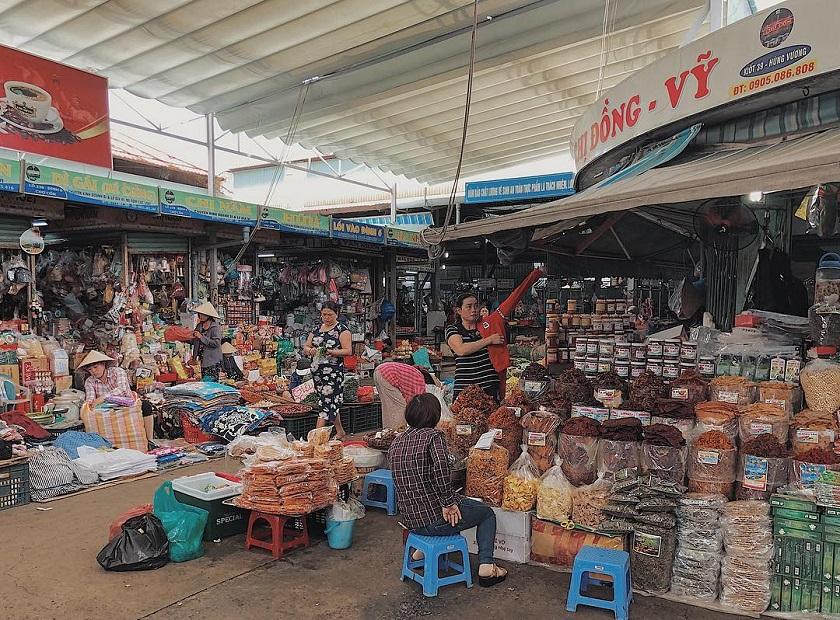 Theo review chợ Cồn Đà Nẵng khu thực phẩm khô