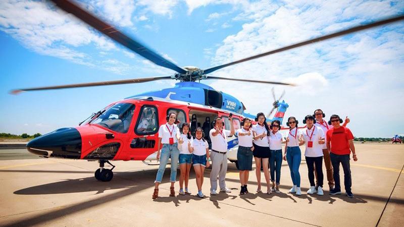 Các hành khách đều có phản hồi tích cực khi bay trực thăng ra Côn Đảo