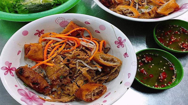 Bún thịt nướng Hoàng Văn