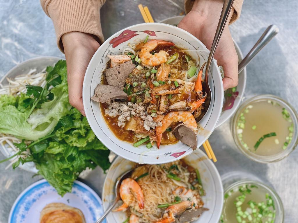 Du lịch Sài Gòn ăn gì ngon?