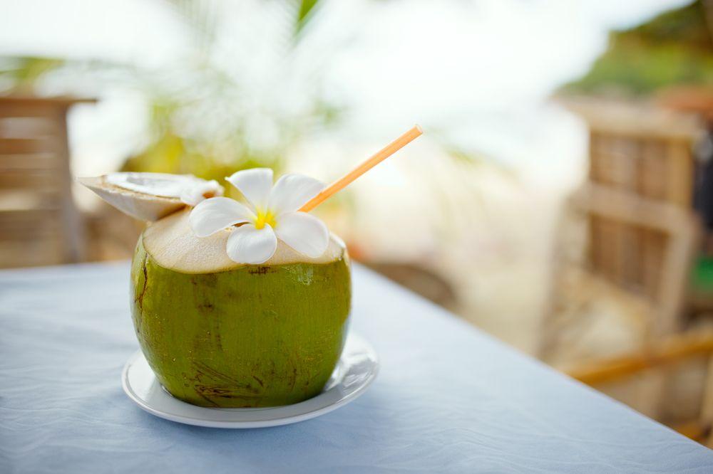 Nước dừa - Thức uống giải khát hoàn hảo trong mùa hè