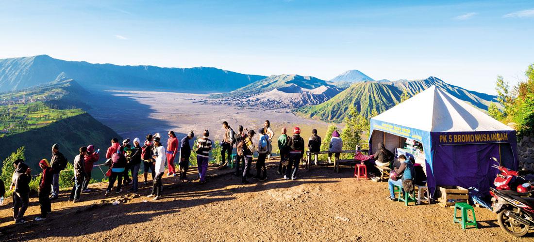Khám phá quần thể núi lửa này cho du khách hiểu thêm về sự kỳ diệu của tạo hóa.