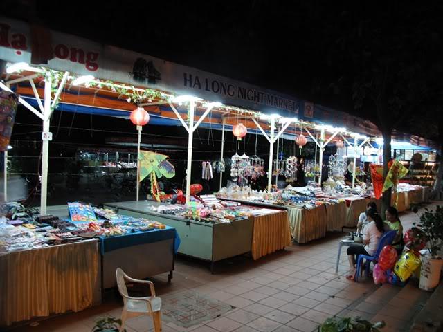 chợ đêm Bãi Cháy