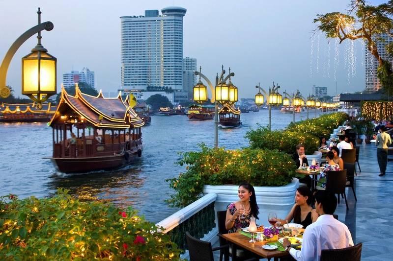 Dạo thuyền trên dòng sông Chao Phraya