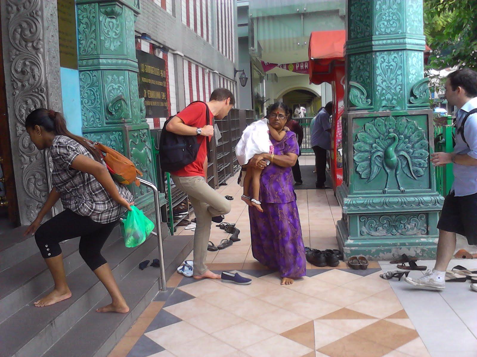 Văn hóa cởi giày dép ở Thái Lan