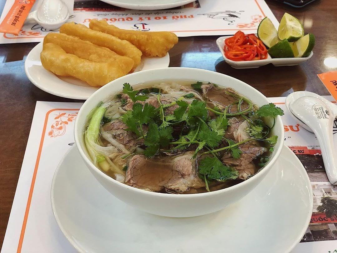 Phở là món ăn truyền thống Hà Nội