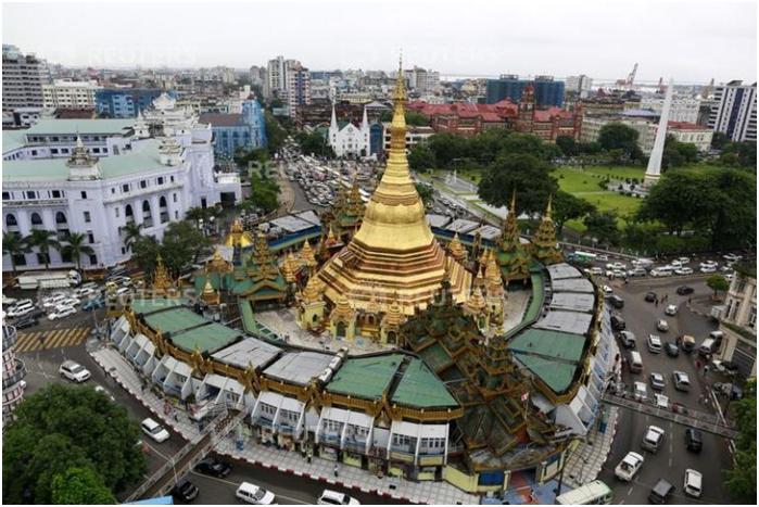 Chính sự lối kiến trúc cổ tồn tại hơn 2500 tuổi lạc lõng giữa những tòa nhà vói phong cách hiện đại là sức hút lôi cuốn du khách của ngôi chùa.