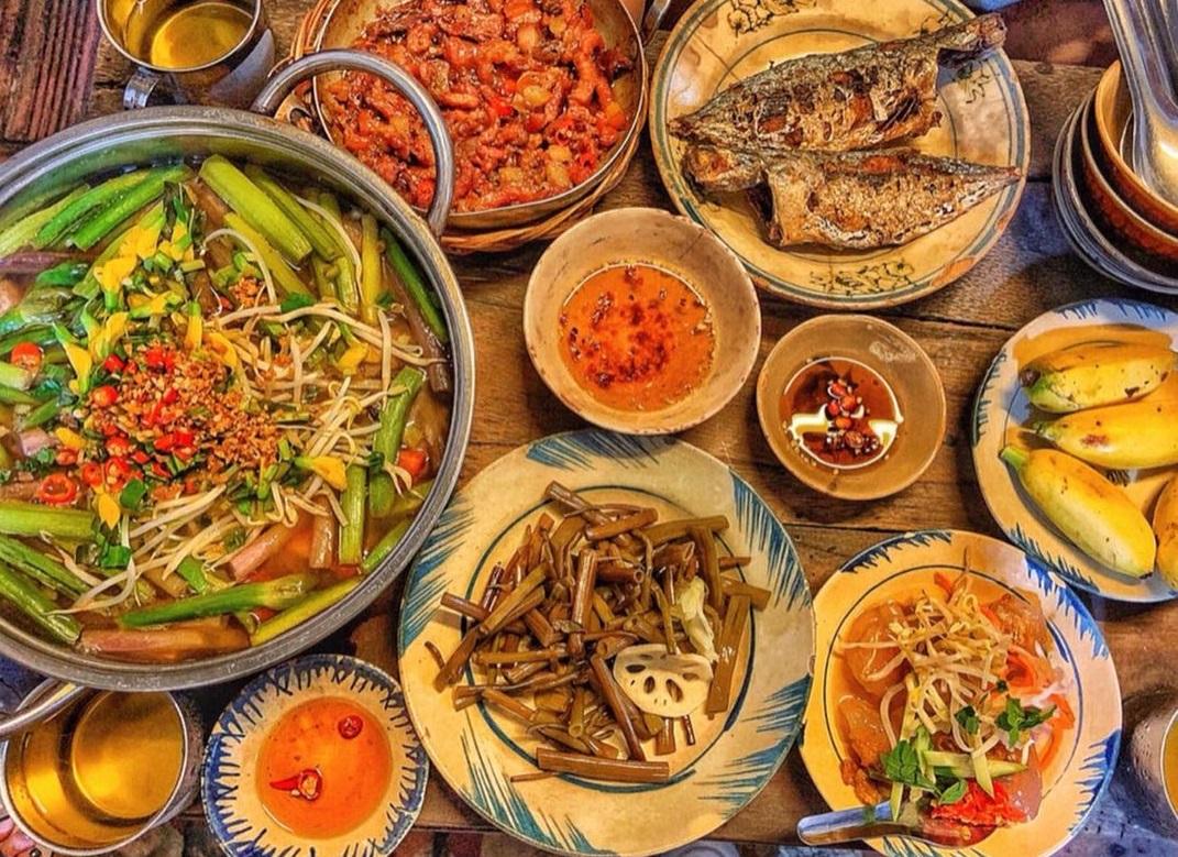 Quán Hồi Đó là một trong những quán ăn ngon ở Cần Thơ được nhiều gia đình ghé đến thưởng thức