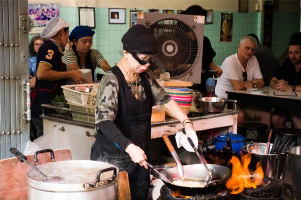 Quán Jae Fai là quán ăn đường phố được trao tặng sao Michelin