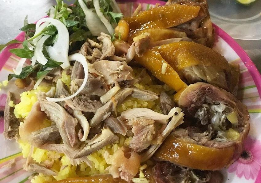 Cơm gà Ty - Quán cơm gà ngon ở Hội An không thể bỏ lỡ