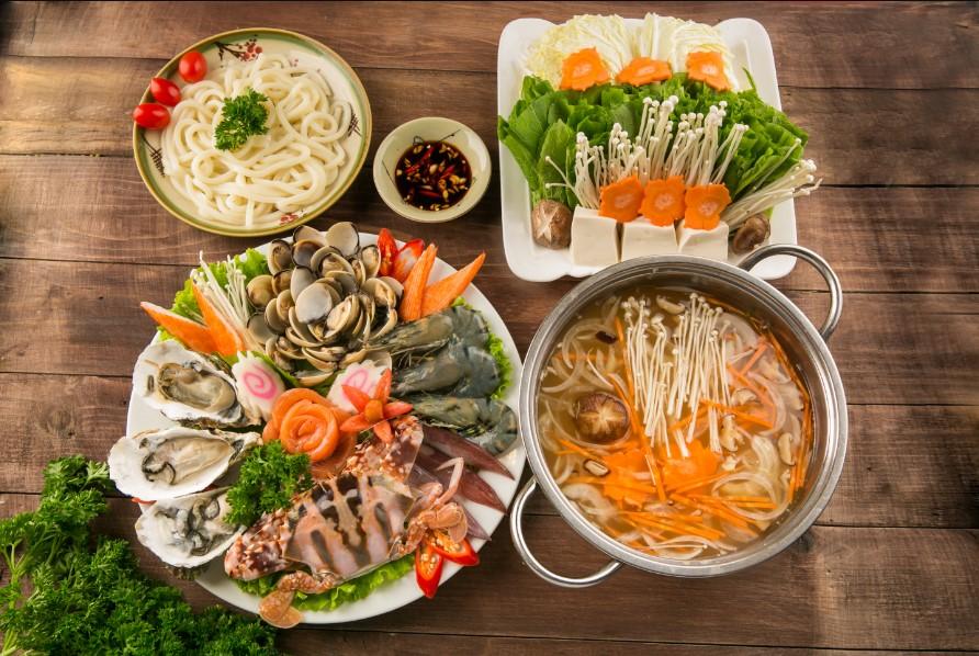 Nhà hàng Gió Trăng cũng nằm trong top các quán hải sản ngon Hội An