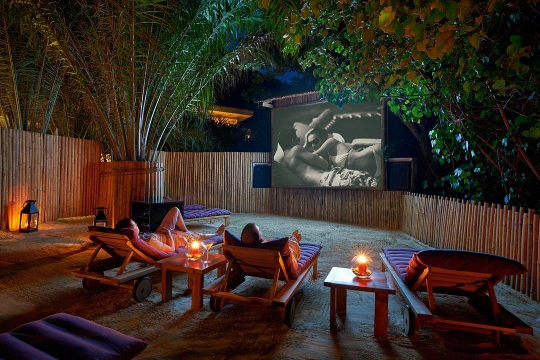 Dịch vụ chiếu phim tại Six Senses Côn Đảo