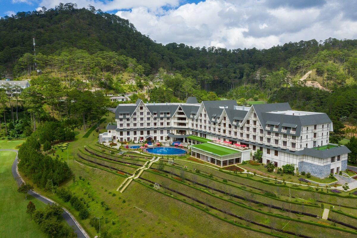Toàn cảnh khách sạn Swiss Belresort Tuyền Lâm Đà Lạt