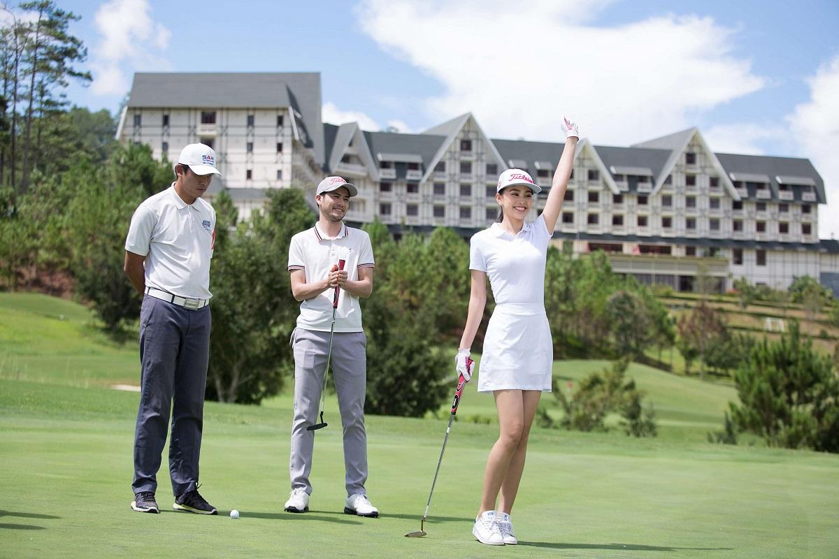 Trải nghiệm sân golf 18 lỗ SAM Tuyền Lâm Golf Club
