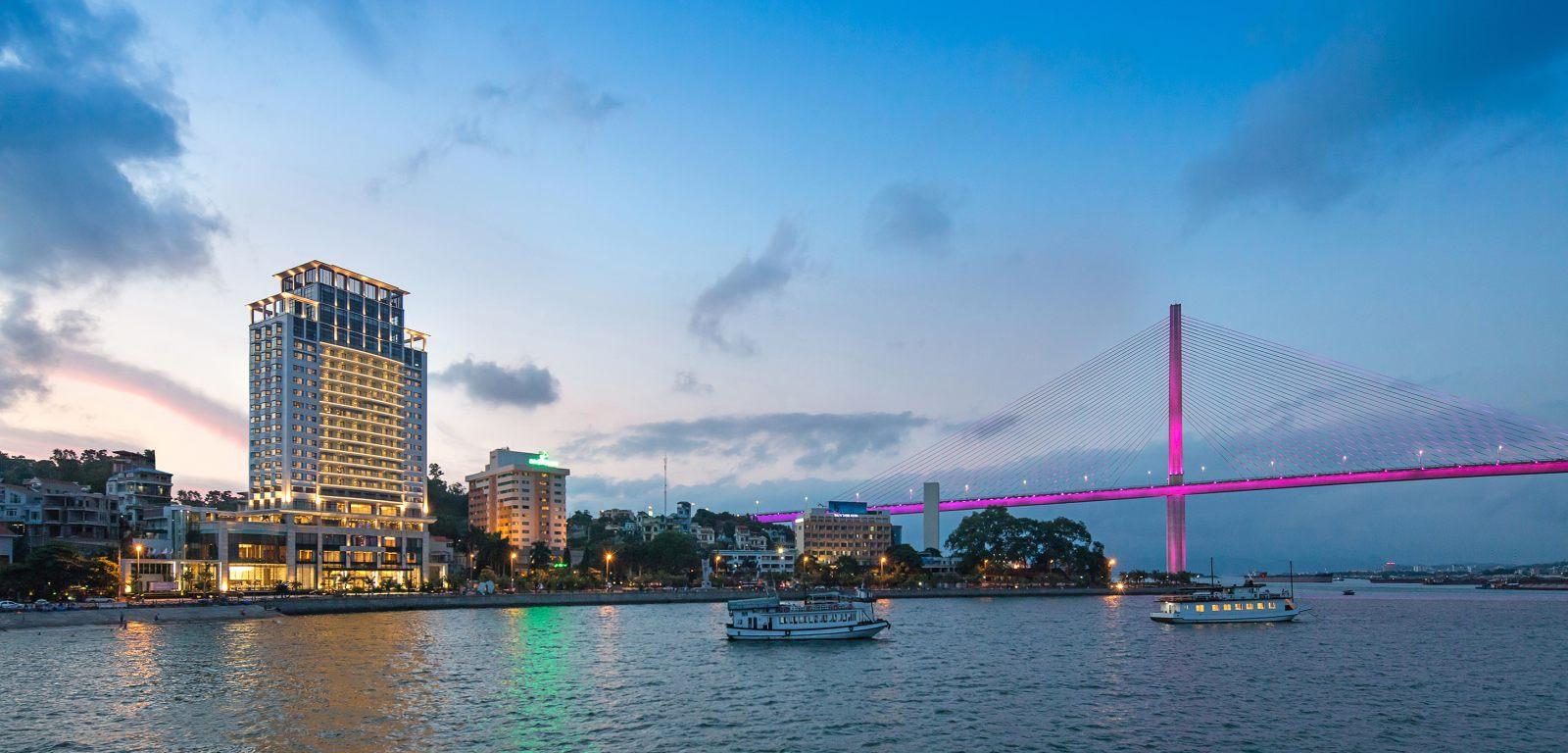 Toàn cảnh khách sạn Wyndham Legend Hạ Long