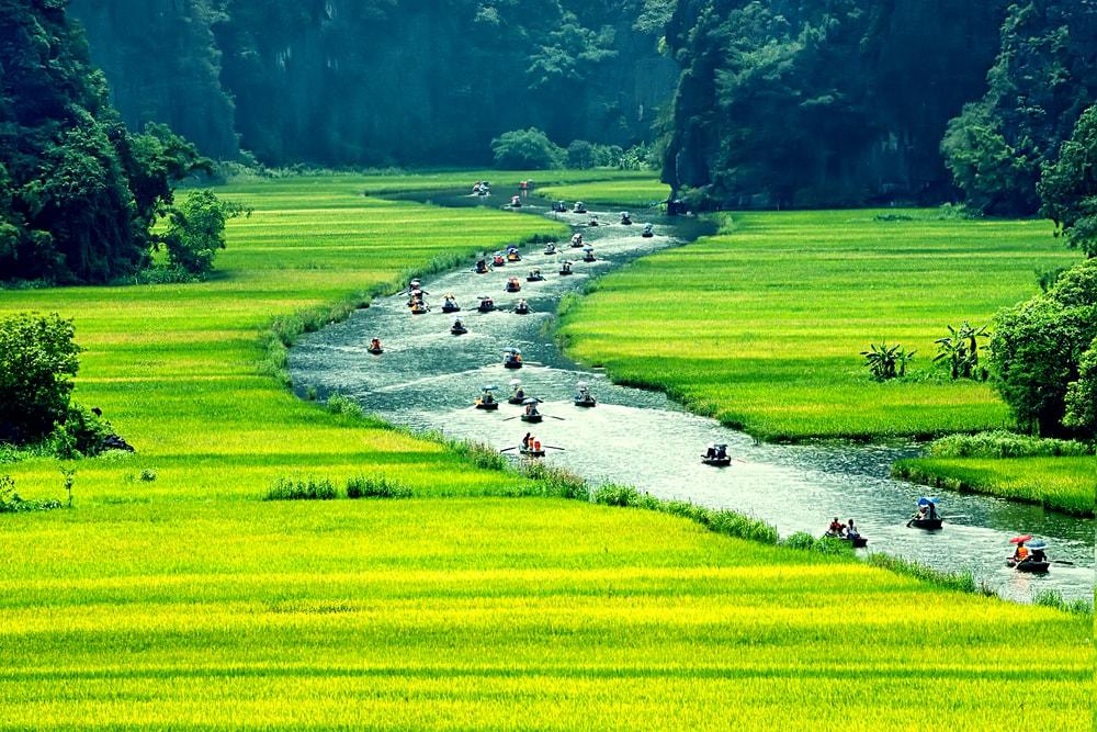 Nghỉ dưỡng khách sạn Emeralda Ninh Bình khám phá mảnh đất cố đô tươi đẹp