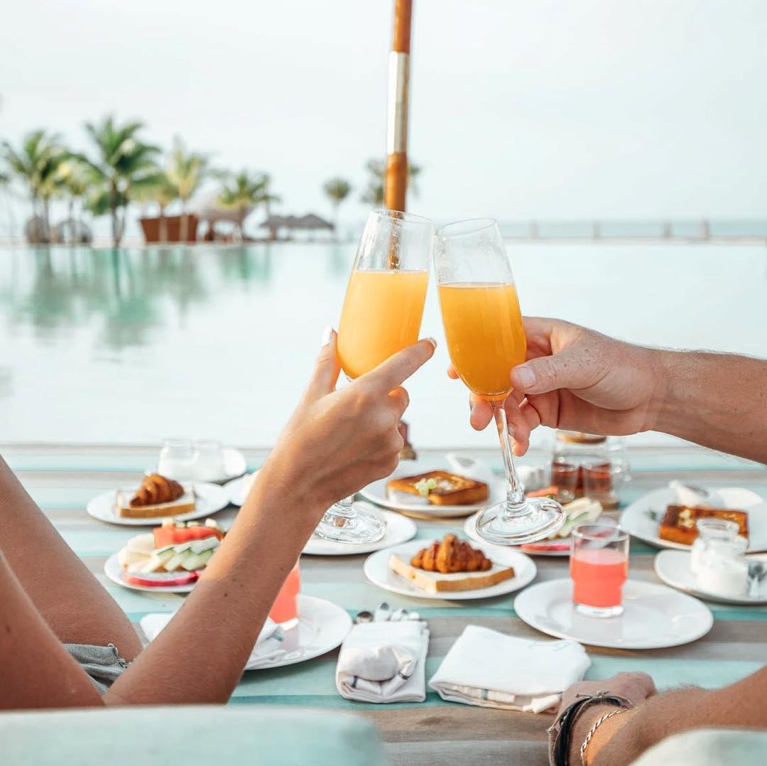 Bữa sáng mọi lúc mọi nơi đặc biệt tại Fusion Resort Phú Quốc (@alexandwhite)